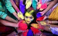 알록달록 물들이다…인도 봄맞이 축제 ′홀리′