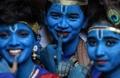 '힌두신으로 분장하고'…인도 '자나마슈타미' 힌두교 축제
