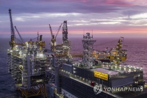 """노르웨이는 '환경위선국'…""""수력발전 유전이 탄소감축"""" 홍보"""