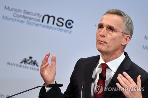 """마크롱 '프랑스 핵우산' 제안에 나토 """"우린 이미 핵억지력 있다""""(종합)"""