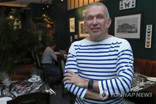 프랑스 패션디자이너 장 폴 고티에, 깜짝 은퇴 발표