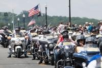 ′수천대의 오토바이가 도심에′…美 메모리얼데이 맞이 ′롤링썬더′ 행사