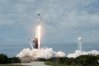 스페이스X, 드래곤캡슐 비상탈출시험 성공…유인우주여행 성큼