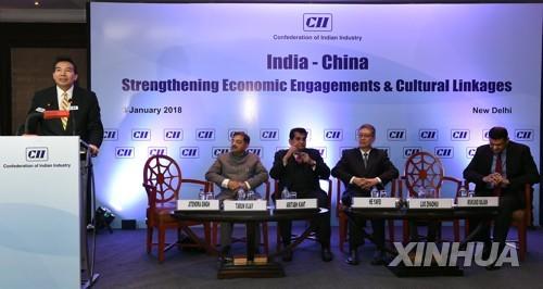 """중국, 인도-파키스탄과 3자회담 제안…인도 """"제3국 관여말라"""""""