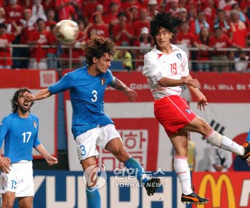 2002년 당시 한국-이탈리아 경기 모습. [연합뉴스 자료사진]