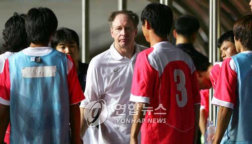 동아시아축구 일본에 패한 한국축구대표팀 본프레레감독