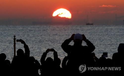 일본 도쿄의 새해맞이[로이터=연합뉴스]