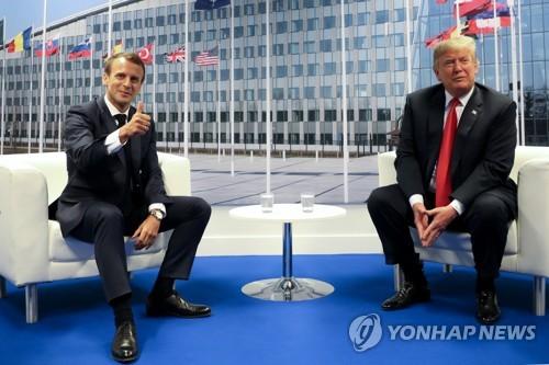 트럼프 미국 대통령과 마크롱 프랑스 대통령(좌) [로이터=연합뉴스]