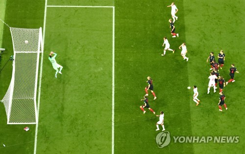 잉글랜드-크로아티아 준결승에서 잉글랜드 트리피어의 프리킥 득점