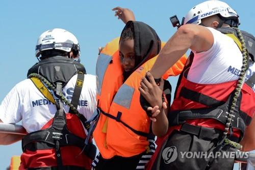 난민갈등 기폭제 됐던 지중해 구조선 '아쿠아리우스' 활동 재개