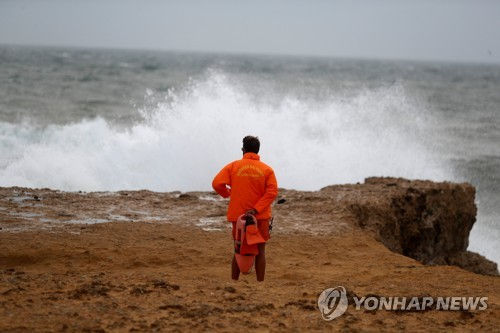 포르투갈 카르카벨로스 해변 [로이터=연합뉴스]