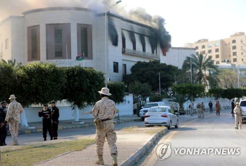 리비아 무장단체, 휴전 깨고 유혈충돌…5명 사망, 20명 부상