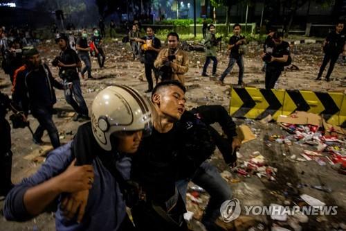 인니 대선불복 시위 사망자 8명으로 늘어…부상자는 730명