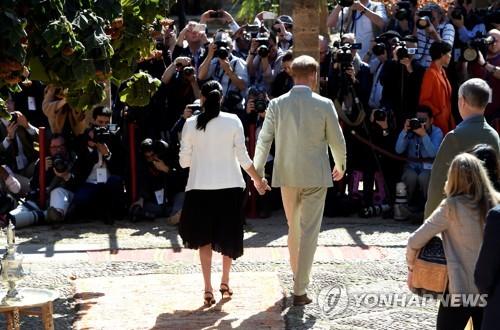 영국 해리 왕자 부부, 캐나다서도 파파라치에 시달려