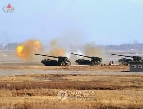 북한군 포사격 훈련(자료)