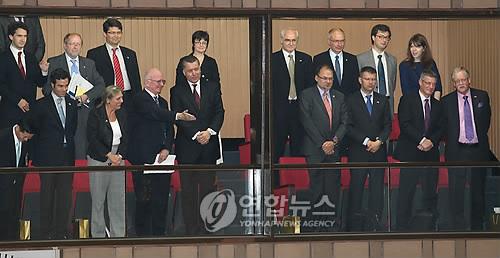 국회 방문한 유럽의회의 한반도대표단 [연합뉴스 자료사진]