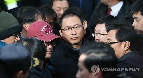 민주노총 나서는 김명환 위원장