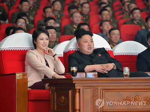 北 김정은, 리설주·김여정과 모란봉악단 공연관람