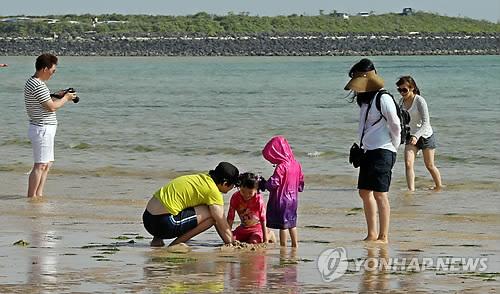 신양섭지코지해변[연합뉴스 자료사진]