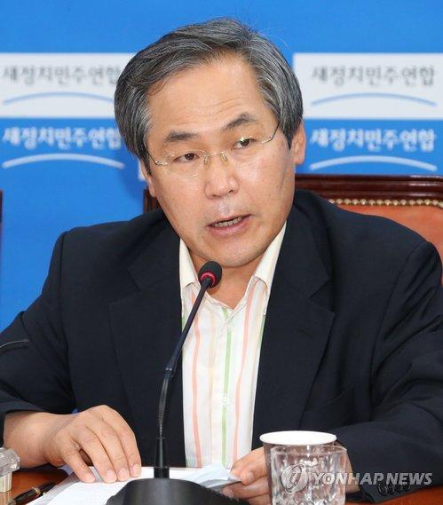 우윤근, 정부 민생법안 비판