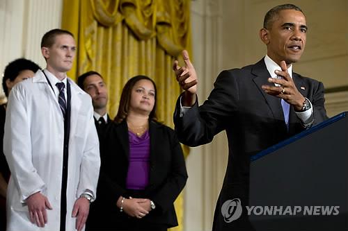 오바마, 에볼라 의료진 사기 꺾어선 안돼