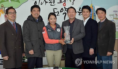 http://img.yonhapnews.co.kr/photo/yna/YH/2014/12/17/PYH2014121705770006200_P2.jpg