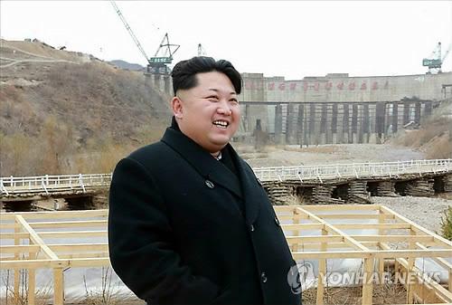 백두산선군청년발전소 건설장 방문한 김정은