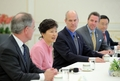 朴槿惠会见美国国会众议院代表团