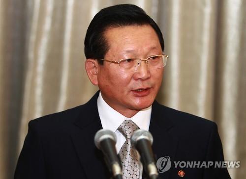 연설하는 강지영 조선종교인협의회장