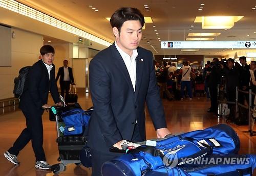 일본 도착한 박병호