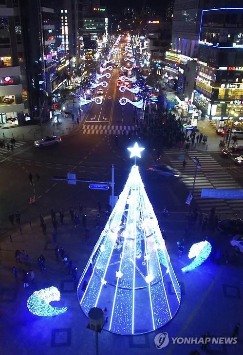 지난해 해운대 빛축제 모습[연합뉴스 자료사진]
