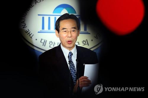 공천배제 관련 발표하는 홍창선 더민주 공천관리위원장