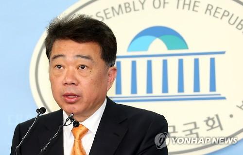 비례대표 순번 발표하는 김성수 대변인