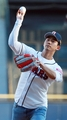 2PM泽演为棒球赛开球