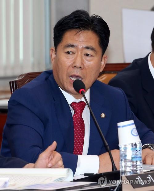 질의하는 김규환 의원