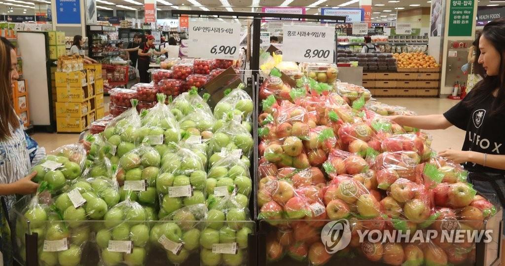 과일 가격 들썩 [연합뉴스 자료사진]