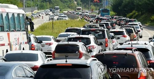 막바지 휴가철...막히는 고속도로