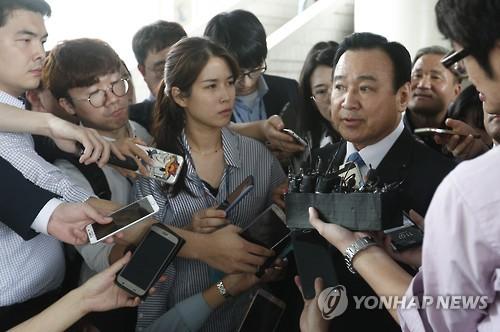 '성완종 리스트' 이완구 前총리 항소심서 무죄