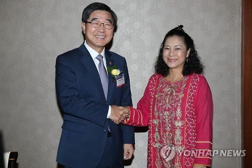 韩劳动部长会见国际劳工组织亚太局局长