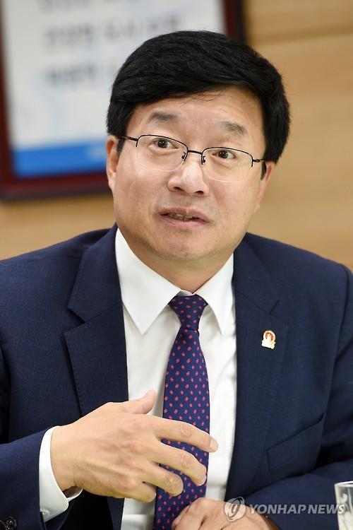 이클레이 집행위원 연임된 염태영 수원시장