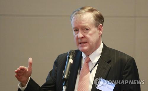 정부, OECD 30년 '한국통' 존스 박사에게 수교훈장 수여