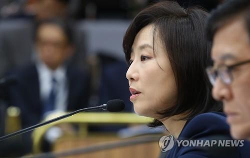 """조윤선 장관 """"최순실 모른다"""""""