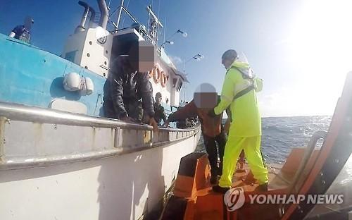 동중국해 전복어선 생존선원 귀향