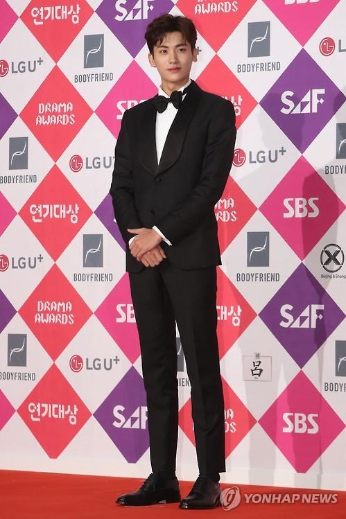 朴炯植参加颁奖典礼。(韩联社/经纪公司提供)