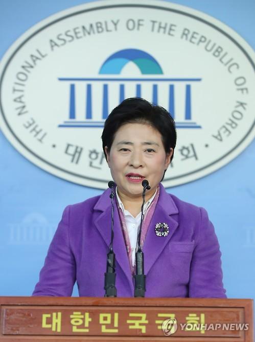 현안 브리핑하는 국민의당 고연호 대변인