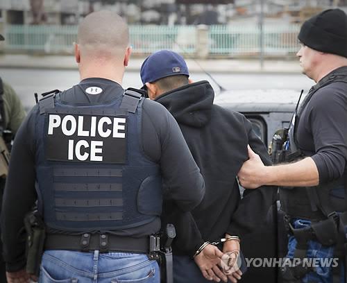 美이민국, 불법체류자 급습 더욱 강화하기로
