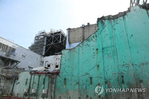 6년전 쓰나미 상처 남아있는 후쿠시마 원전 건물
