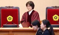 입장하는 이정미 헌법재판소장 권한대행