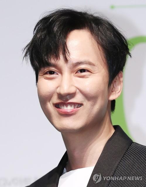 演员金南佶