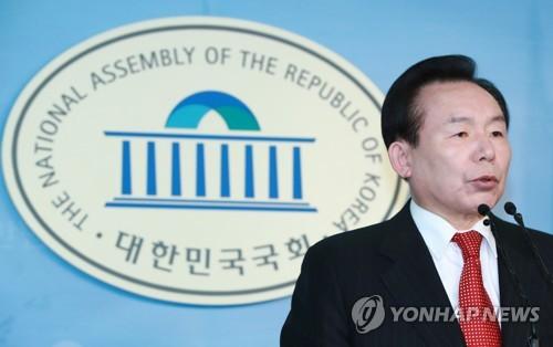 자유한국당 대선주자인 이인제 전 최고위원(자료사진)